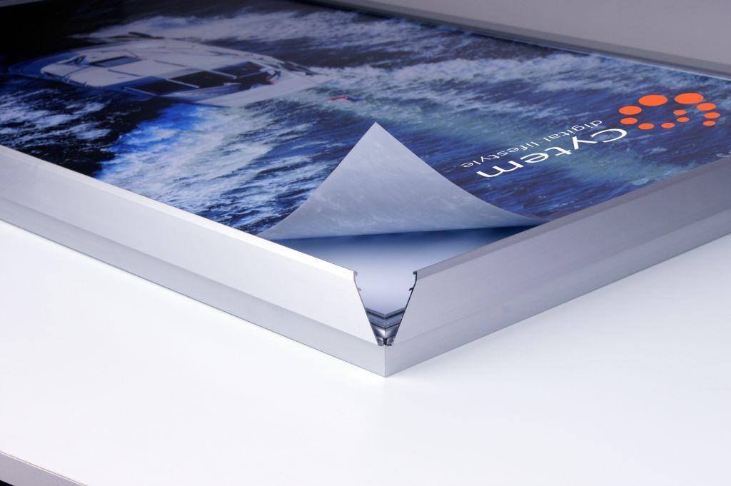 cytem digitale bilderrahmen led leuchtdisplay im b2 format ultraflach 16mm 5300k. Black Bedroom Furniture Sets. Home Design Ideas
